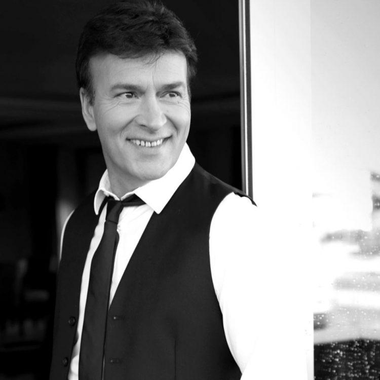 Tony Carreira, musica, portuguesa, música Tony Carreira, Portugal, artista Tony Carreira, espectáculo Tony Carreira, musica popular, artistas populares, portugaise, music, portuguese, cantores, Toni Carreira