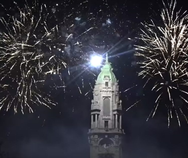 Fogo de artificio, passagem de ano, 2018, 2019, Porto, Aliados, Pedro Abrunhosa, fogo, foguetes, Oporto, Cidade, Norte, Portugal, Concerto, Abrunhosa, Musica ao vivo